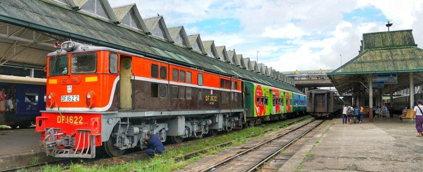 Myanmar, Train